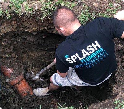 mr splash diggin holes